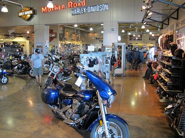 4 Things Every Motorcycle Shop Needs