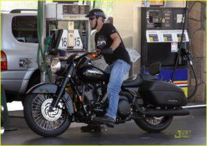 george-clooney-motorcycle