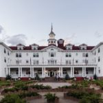the_stanley_hotel_in_estes_park_a_town_on_the_eastern_edge_of_rocky_mountain_national_park_in_north-central_colorado_lccn2015633407